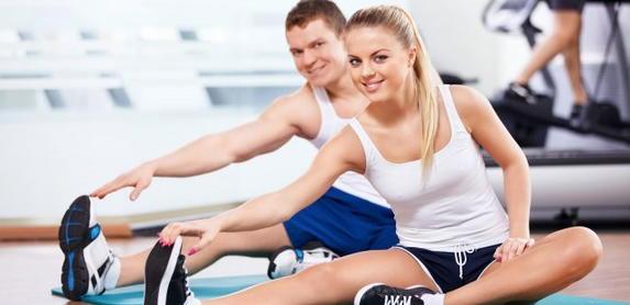 Разминка перед тренировкой в спортзале