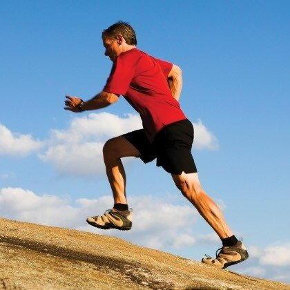 Бег в гору фото