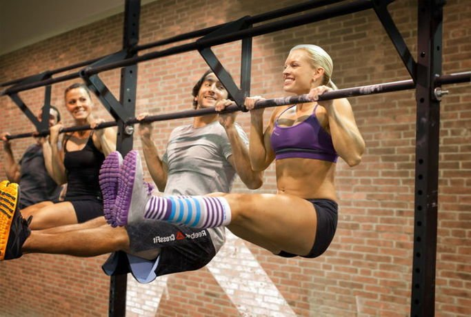 Crossfit strength training for girls