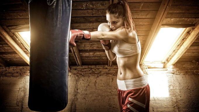 Тренировка девушек бойцов